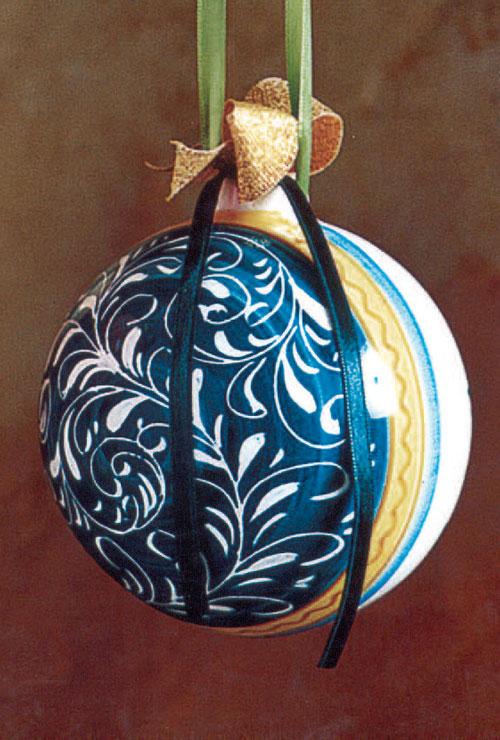 Immagini Sfere Natalizie.Sfere Natalizie Arte Ceramica Castelli
